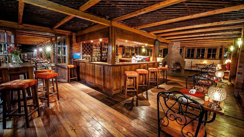 Tanzania-Arusha-Coffee-lodge-bar
