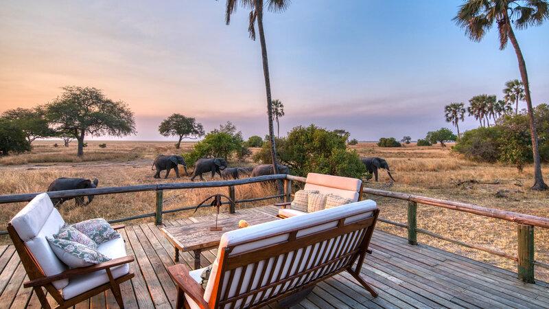Tanzania-Katavi NP-Mbali-Mbali-Katavi-Lodge-olifanten-lounge-zetels