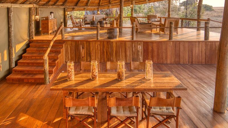 Tanzania-Katavi NP-Mbali-Mbali-Katavi-Lodge-receptie-tafel