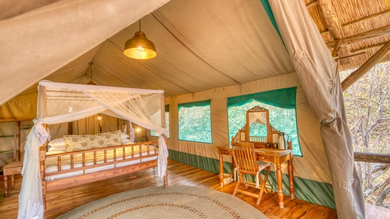 Tanzania-Katavi NP-Mbali-Mbali-Katavi-Lodge-tent-interieur