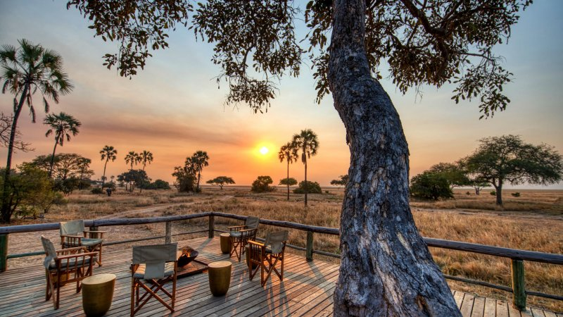 Tanzania-Katavi NP-Mbali-Mbali-Katavi-Lodge-zonsondergang-kampvuur