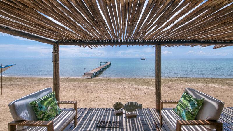 Tanzania-Mahale-Mountains-Mbali-Mbali-Mahale-Lodge-cabana-strand