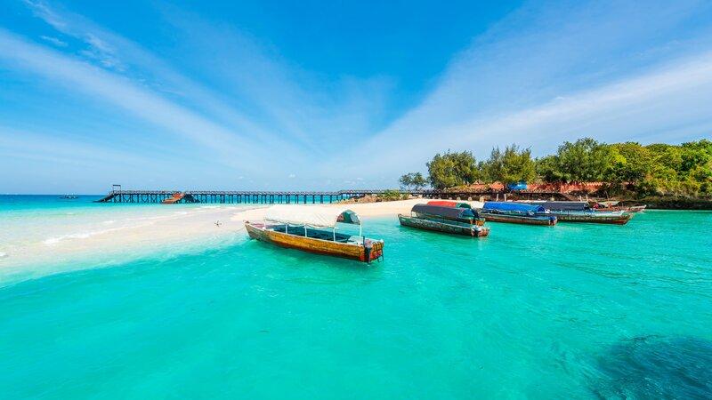 Tanzania-Zanzibar-blauw water