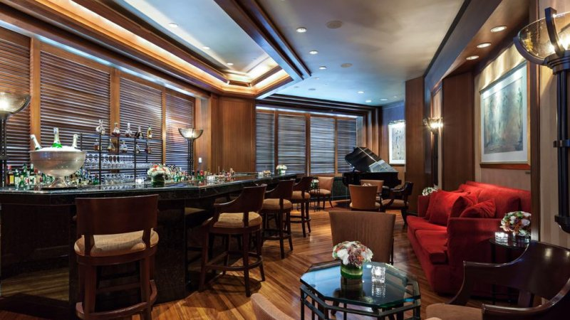 Thailand-Bangkok-Hotel-The-Peninsula-bar