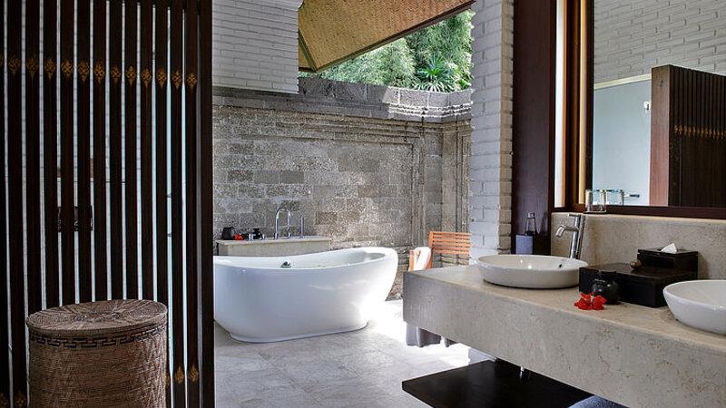 Ubud-Tanah-Gajah-suite-badkamer