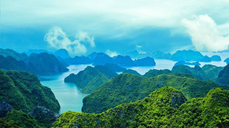 Vietnam-Ha Long Bay-vanuit de lucht