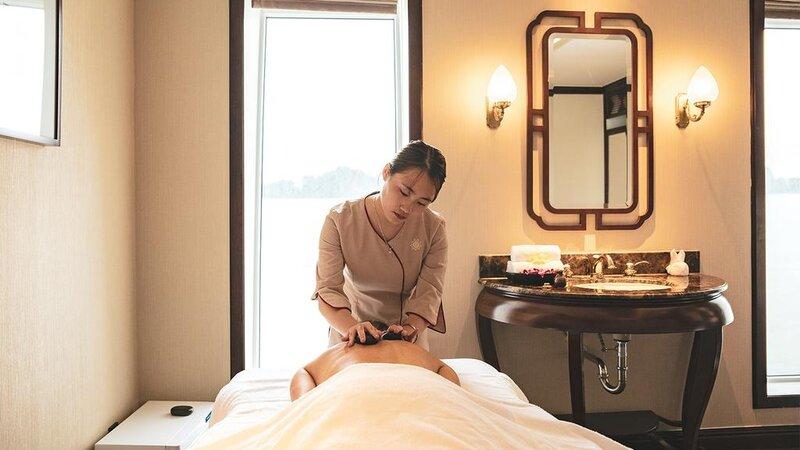 Vietnam-Halong-Heritage-Ginger-Line-massage