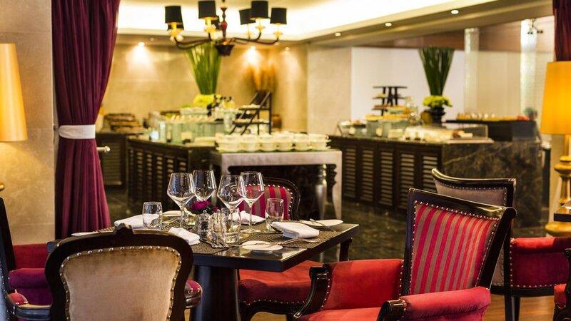 Vietnam-Hanoi-Hotel-d-l-opera-buffet-restaurant