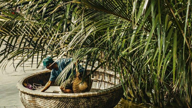 Vietnam-Hoi An-Excursie-Hoi-An-Rural-Life,-Bike,-Basket-Boats,-Farms-&-Fields-4