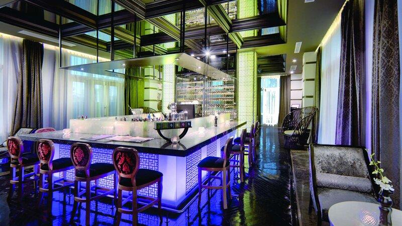 Vietnam-Hoi-An-Royal-Hoi-An-MGallery-Hotel-bar