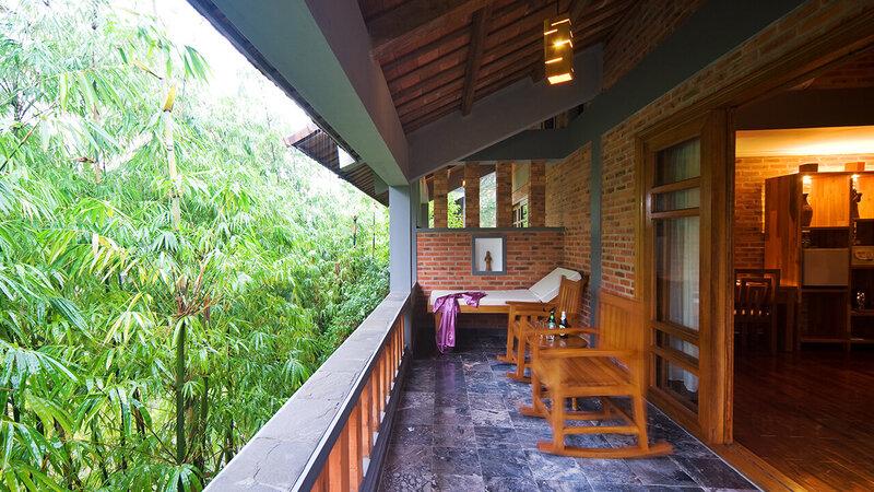Vietnam-Hue-Pilgrimage Village 2