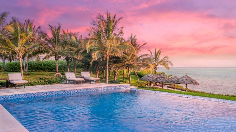 Zanzibar-Zawadi-Hotel-zwembad-zonsondergang