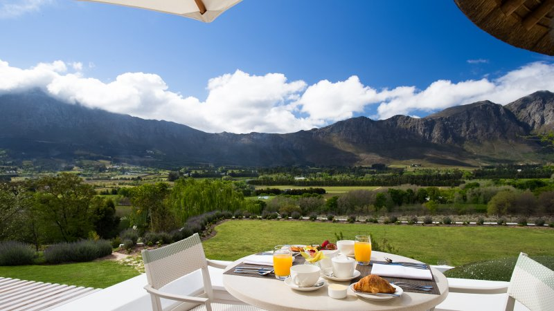 Zuid-Afrika-Kaapse-Wijnlanden-hotel-Mont Rochelle-miko-restaurant-terrace-breakfast