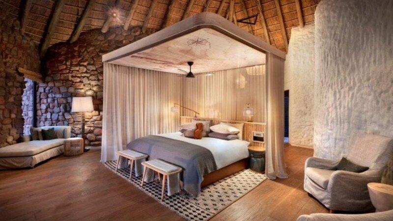 Zuid-Afrika-Tswalu-Kalahari-Private-reserve-the-motse-safarilodge-slaapkamer