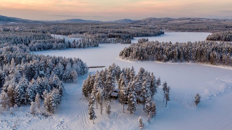 Zweden-Lapland-Gunnarsbyn-Arctic-Retreat-luchtfoto-omgeving