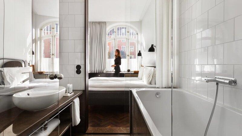 Zweden-Stockholm-Miss-Clara-by-Nobis-hotel-badkamer