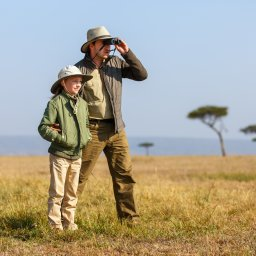 Amazing-family-safari-vader-en-zoon
