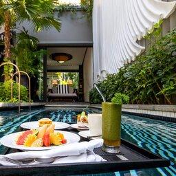 bcsmsr-pool-villa-breakfast-w900h600@2x
