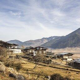 Bhutan-algemeen-huizen en bergen