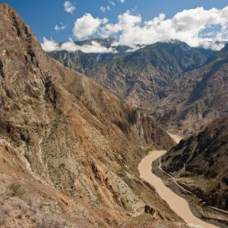 China-Yunnan-hootepunt-tiger leaping gorge1