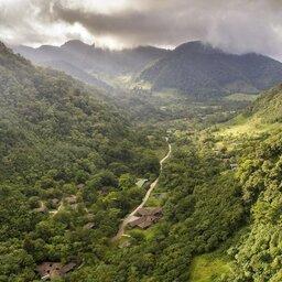 Costa-Rica-Central-Valley-Hotel-El-Silencio-Lodge-luchtfoto