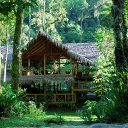 Costa-Rica-Pacuare-Hotel-Pacuare-Lodge-hoofdgebouw