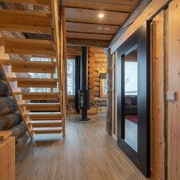 Finland-Lapland-Ivalo-wilderness-hotel-Inari-log-cabin-trap