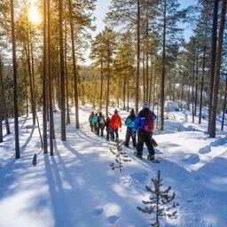 Finland-Lapland-Ivalo-wilderness-hotel-Inari-sneeuwschoenwandelen (2)