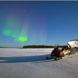 Finland-Lapland-Ivalo-Wilderness-Hotel-Nangu-aurora-sleetocht