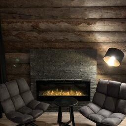 Finland-Lapland-Ivalo-Wilderness-Hotel-Nangu-panorama-log-cabin-haardvuur