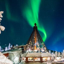 Finland-Lapland-Levi-levin-iglut-golden-crown-aurora-sky-restaurant