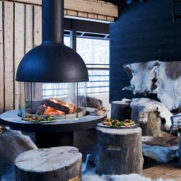 Finland-Lapland-Levi-Spirit-Villas-sfeerfoto-kampvuur-haardvuur