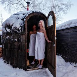 Finland-Lapland-Rovaniemi-Apukka-resort-traditonele-sauna