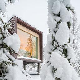 Finland-Lapland-Rovaniemi-Arctic-Treehouse-buitenaanzicht-treehousesuite