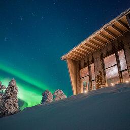 Finland-Lapland-Rovaniemi-Octola-Lodge-buitenaanzicht-noorderlicht