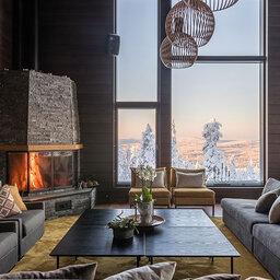 Finland-Lapland-Rovaniemi-Octola-Lodge-lounge-haardvuur