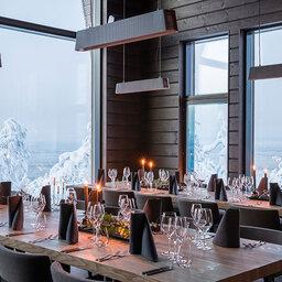 Finland-Lapland-Rovaniemi-Octola-Lodge-restaurant