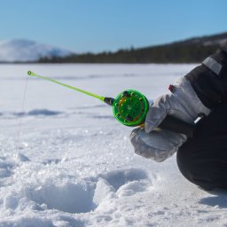 Finland-Lapland-Saariselka-Javri-Lodge-ijsvissen