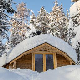 Finland-Lapland-Saariselka-Javri-Lodge-wilderness-cabin-achterkant