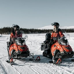Finland-Lapland-Safaris-sneeuwscootertocht