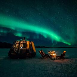 Finland-Lapland-Wilderness-Hotel-Lapland-lake-inari-hut-noorderlicht[1]