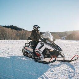 Finland-Zweden-Lapland-sneeuwscooter