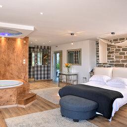 Griekenland-Epirus-Gebergte-Mikro-Papigo-Hotel-jacuzzi-suite