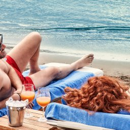 Griekenland-Kreta-Elounda-Gulf-Villas-beachclub-koppel
