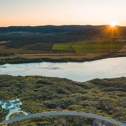 IJsland-Ásborgir-Hotel-Grimsborgir-omgeving