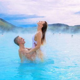 IJsland-Blue-Lagoon-couple