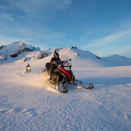 IJsland-Excursie-Snowmobile-on-Langjökull-Glacier