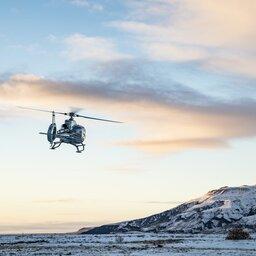 IJsland-Excursie-Spectaculaire-helikopterlanding-op-de-flank-van-de-Hengill-vulkaan2