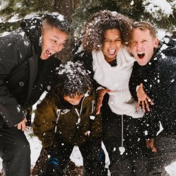IJsland-family-picture-snow2