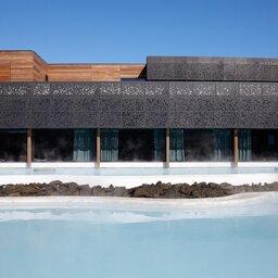 IJsland-Grindavík-The-Retreat-at-Blue-Lagoon-detail-gebouw-2